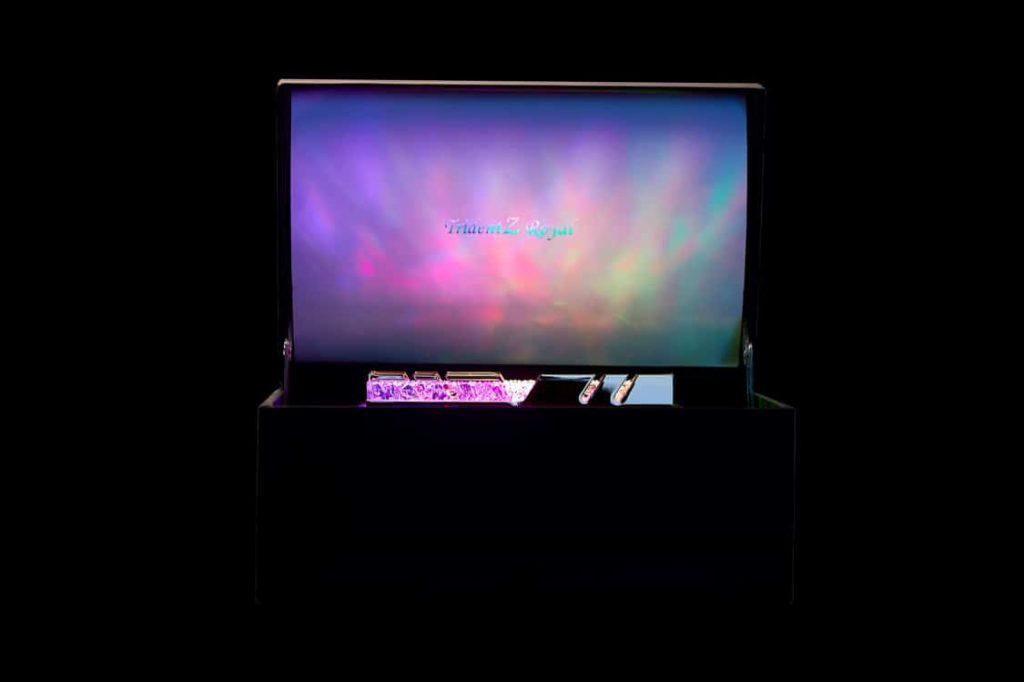 Trident Z Royal Display Box memorii RAM